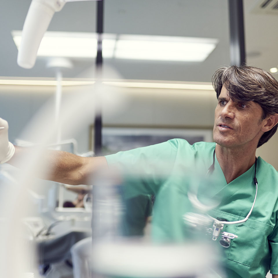 Zahnmediziner Dr. Ulrich Volz