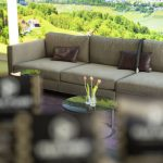 Sitzecke im Swiss Biohealth Store & Café